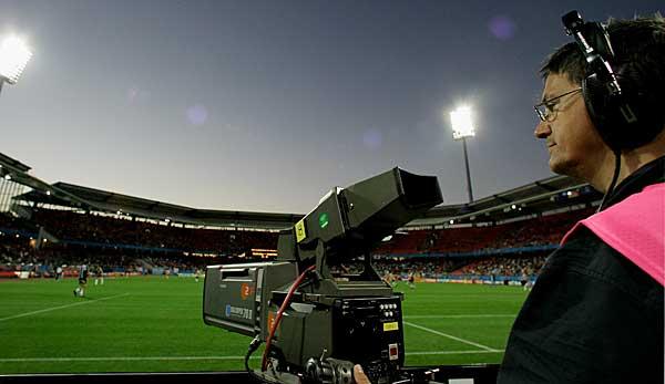 Fussball Heute Live Im Tv Oder Im Livestream Auf Dazn Anschauen