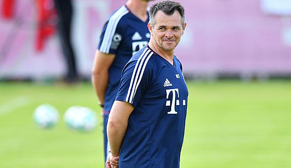 Willy Sagnol: FC-Bayern-Trainer, Spielerkarriere, Trainerkarriere, Leben