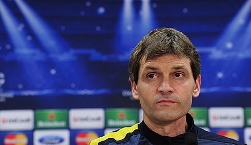 Gesundheitlicher Ruckschlag Fur Barca Coach