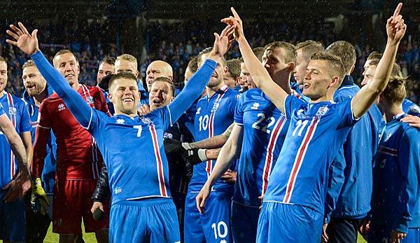 Islands Wm Kader Mit Bundesliga Spieler Alfred Finnbogason